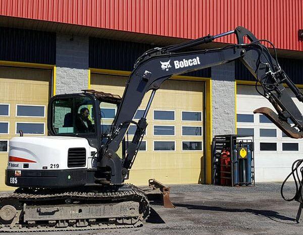 Bobcat E85 pelle a louer Montréal